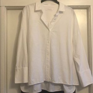 Everlane Boxy blouse, size 8, fabric cotton.